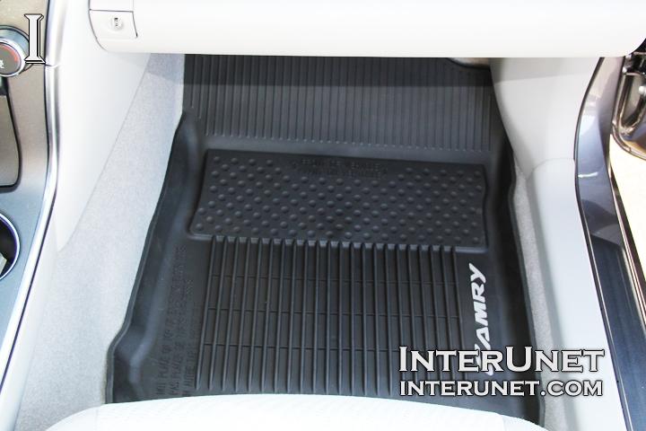 toyota rav4 floor mats carpet all weather custom logo. Black Bedroom Furniture Sets. Home Design Ideas