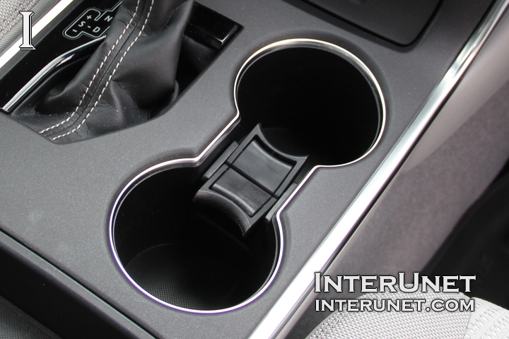 2016 toyota camry le interior in pictures interunet. Black Bedroom Furniture Sets. Home Design Ideas